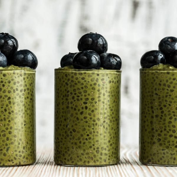 Chia Pudding Moringa e Mirtilli