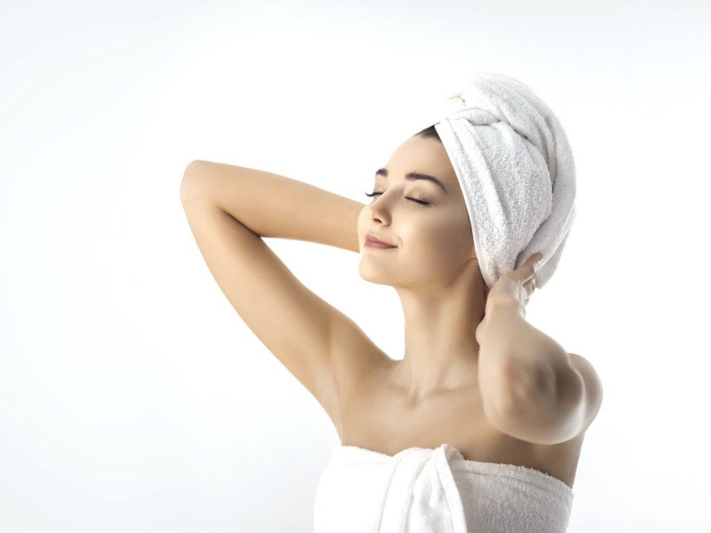 Olio di cocco per capelli ricci: il segreto per ricci morbidi e definiti