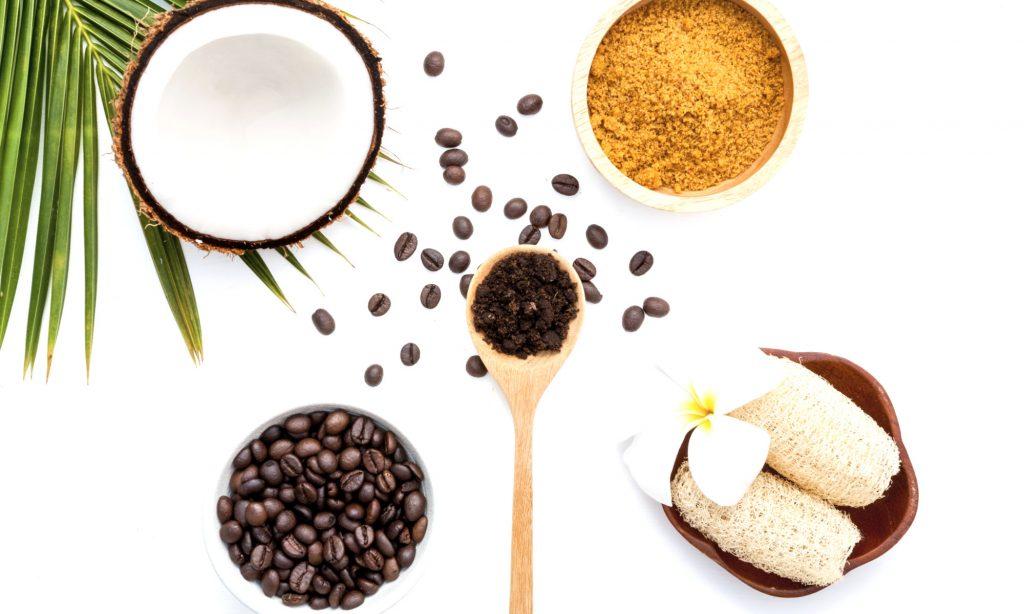 Cocco zucchero caffe e cannella per scrub